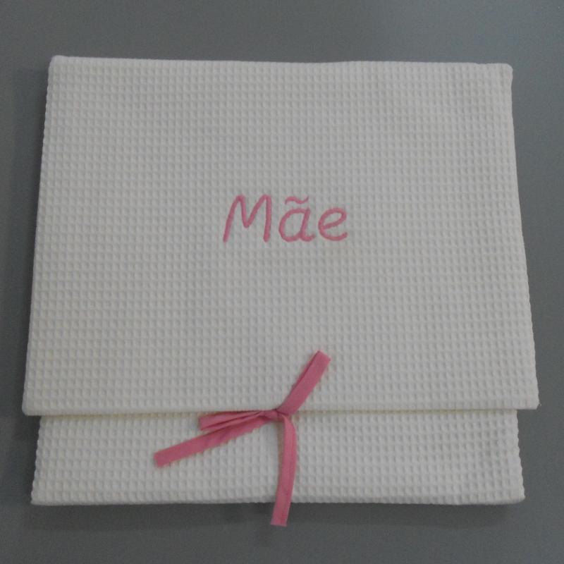 """ref.050808-RC-B720-Bolsa de lingerie em favo branco - """"Mãe"""" - bordado rosa"""