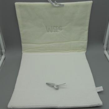 """ref.050808-AG-B720-Bolsa de lingerie em favo branco - """"Mãe"""" - bordado prata - aberta"""