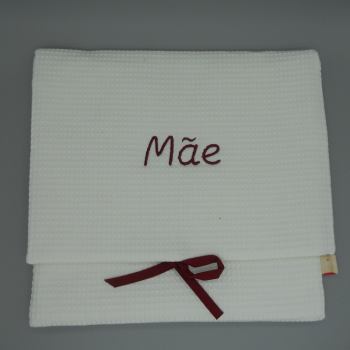 "code 050808-EB-B720 - White waffle lingerie purse - ""Mãe""/""Mother"" - bordeaux embroidery"