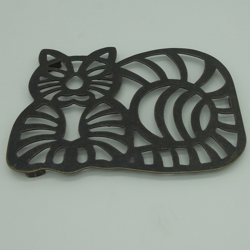 code 034018-OXI - Trivet - Cat (oxidized)