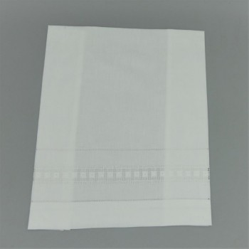 code 050801-BR4- White guest towel 40x60 - embroidery 4