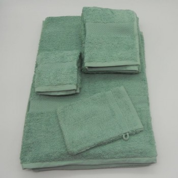 code 050261-WZ- 3 Pc A Bath towel set and bathmit