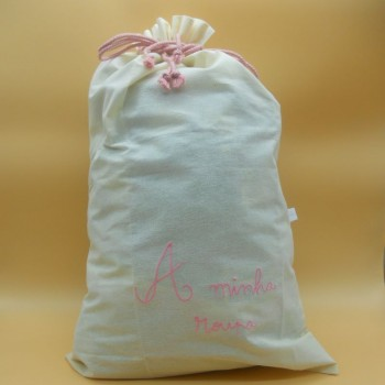 "code 050819-RC-Raw cloth drawstring bag "" A minha roupa"" /""My clothing"" - rose embroidery"