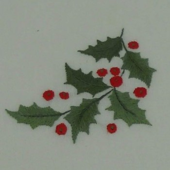 """code 050479-BR-45X150 - Christmas white table runner - Azevinho/""""Holly"""" - detail embroidery"""