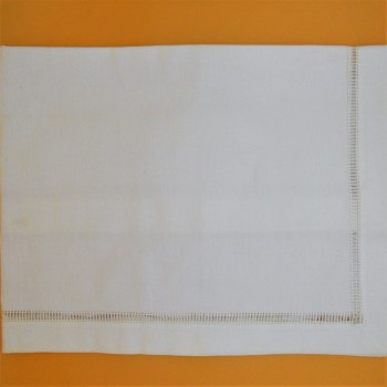 code 050472-BR-45X150 - White table runner - Leather hemstich