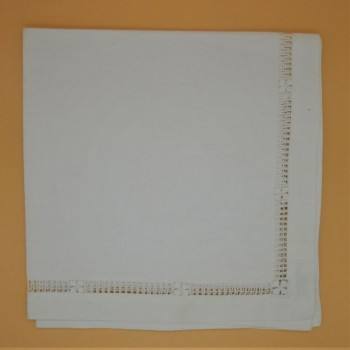 code 050470-BR-40x40 - Napkin - Hemstich with flower insertion - set of  2