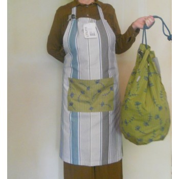 ref.050412-C85/22-A24 - Conjunto de avental Peking verde/ turquesa e saco de roupa chinês- verde líquen