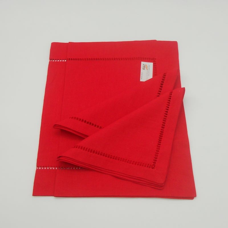 ref.050471-EV-35x48-2/40x40-2 - Conjunto de 2 individuais com 2 guardanapos a condizer - Vermelho