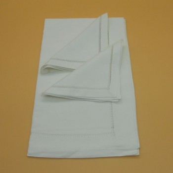 code 050471-BR-50x170/40x40-2- Tablerunner and 2 matching Napkin set - White
