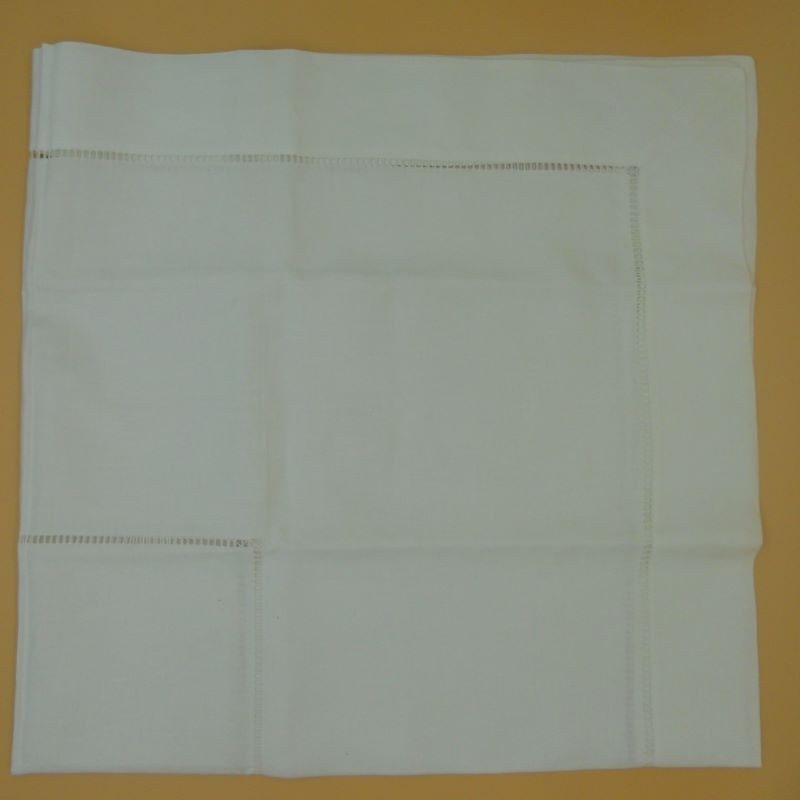 code 050473-BR-110X110 - Double hemstitch table towel - White
