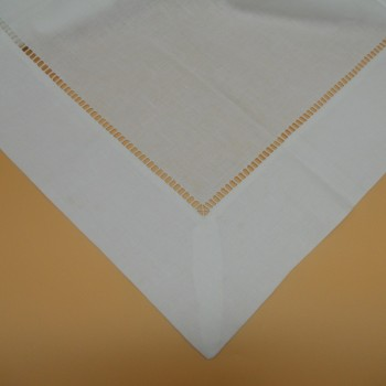 code 050473-BR-110X110 - Double hemstitch table towel - White - detail