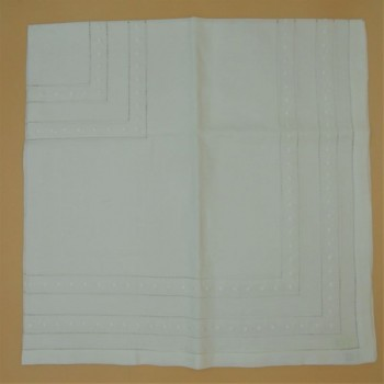 code 050473-BR-110X110 - Hemstitch table towel with dots embroidery - White
