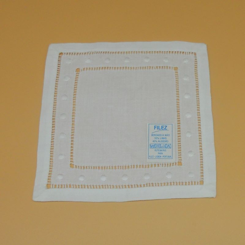 code 050475-BR-15X15 - Hemstitch cocktail napkin with dots embroidery - White
