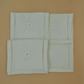 code 050615 - 4 Pc room doily set - Flower embroidery