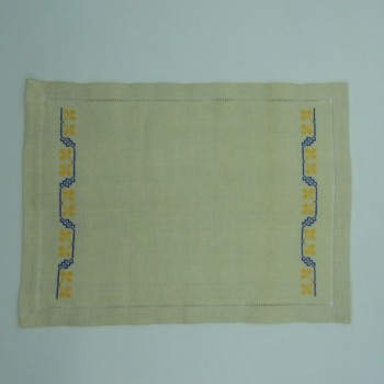 code 050485 - Tray cloth - Blue/Yellow Clover Cross Stitch