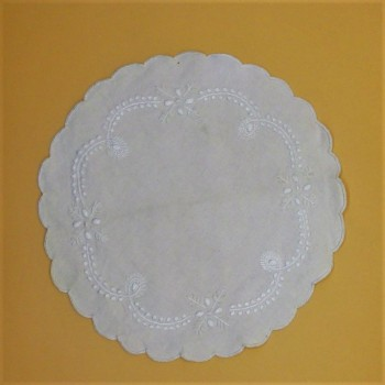 ref.050493-BR-Naperon redondo 30 cm - Branco