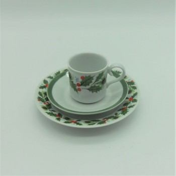 code615258/615254- Coffeecup set with a matching bread and butter plate - Azevinho