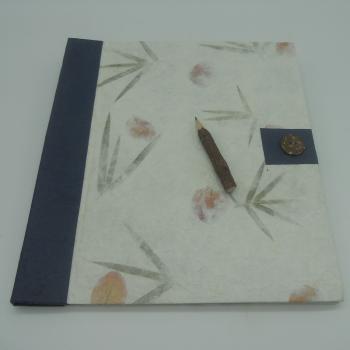 ref.073615 - Bloco notas botão azul e lápis de carvão - L