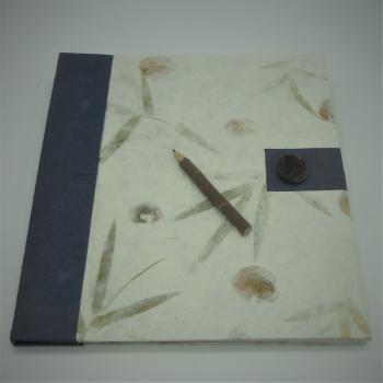 ref.073617 - Bloco notas botão azul e lápis de carvão - XL