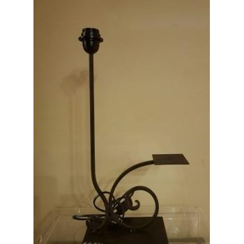 ref.032205 - Base de candeeiro de mesa com castiçal em ferro - Foz
