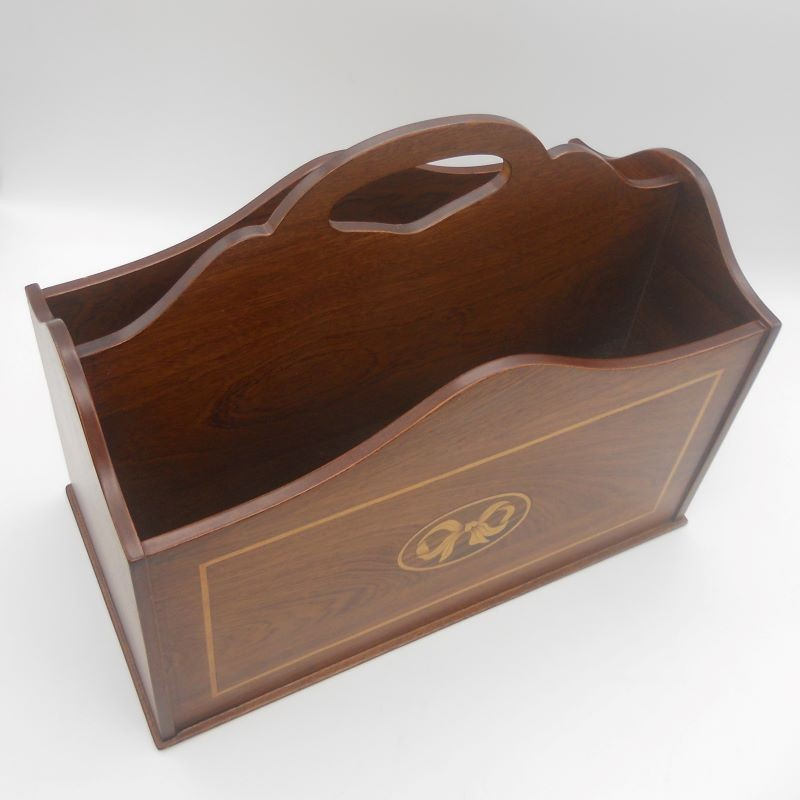 code 070405 - Magazine Rack - cut-out handle
