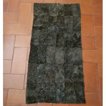 code 072401-60x120- Sheepskin mat - snowy grey (B) - small- frontside