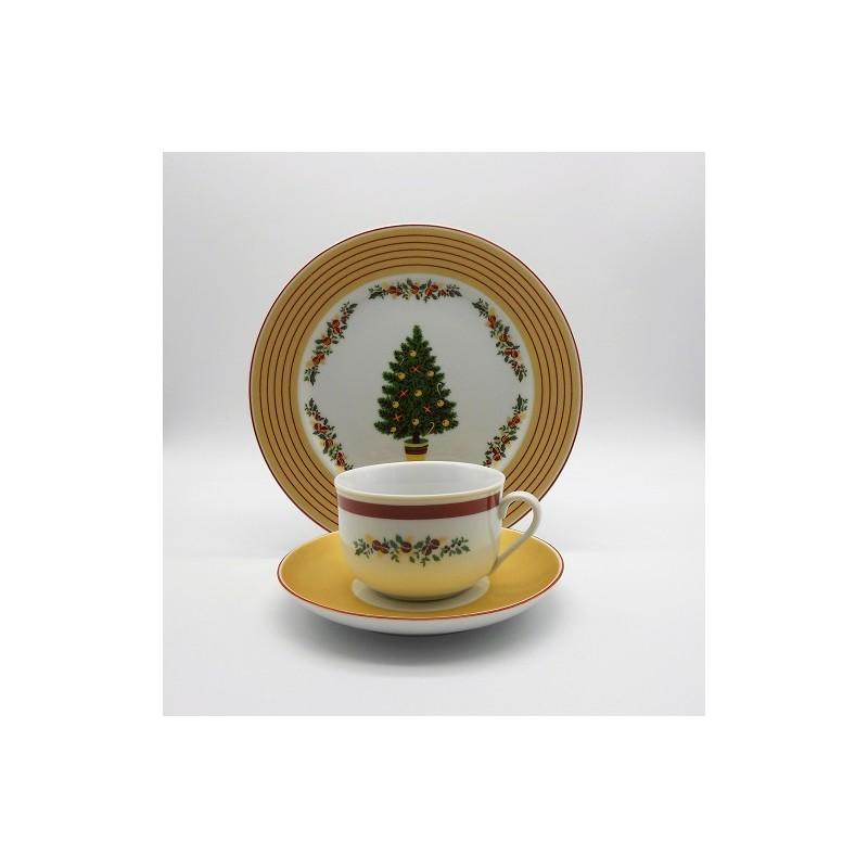 ref.800403/800405-Conjunto chávena chá e pires com prato sobremesa - Feliz Natal