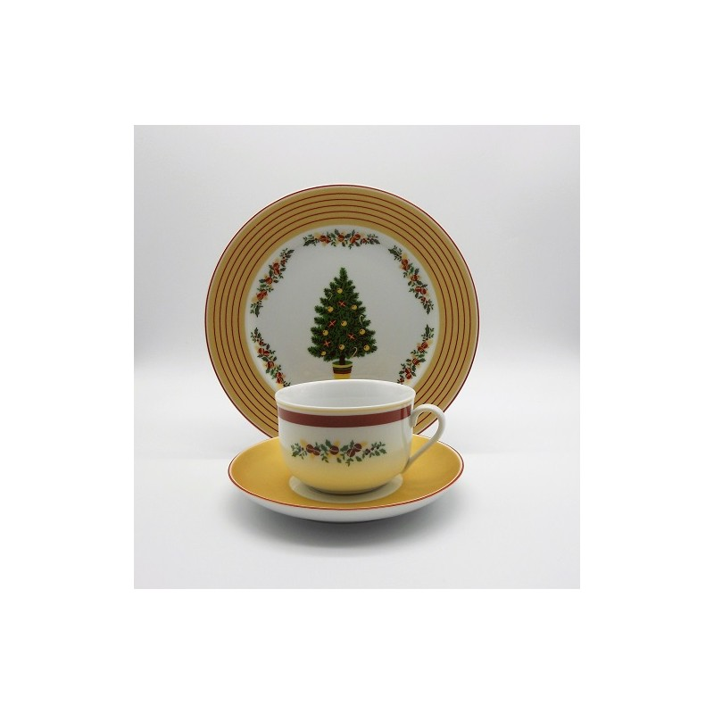 code 800403/800405-Teacup set with a matching dessert plate - Feliz Natal/Merry Christmas